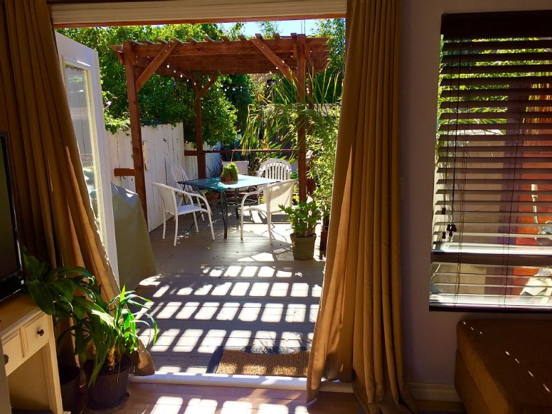 1 Block From The Ocean!  MONTHLY RENTAL AVAILABLE. (Noise sensitive complex), holiday rental in Avila Beach