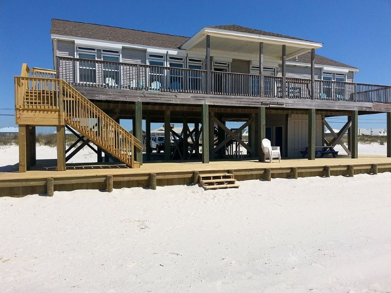 GULF-FRONT&GORGEOUS 4 BED 4 BATH BEAUTY!!!, holiday rental in Dauphin Island