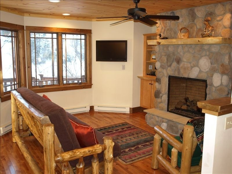 Mountain Bliss at Sentinel Pines in Lake Placid Village, alquiler de vacaciones en Lake Placid