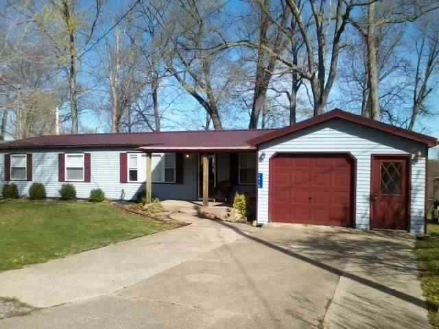 Waterfront Lakehouse Near Axtel Recreation Area & Nick's Boat Dock, holiday rental in Clarkson