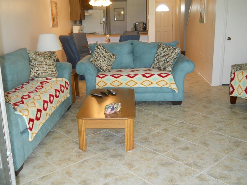 Royal Oak:   2 Bedroom , Townhouse In Peaceful Area, Patio & Balconies, vacation rental in Titusville