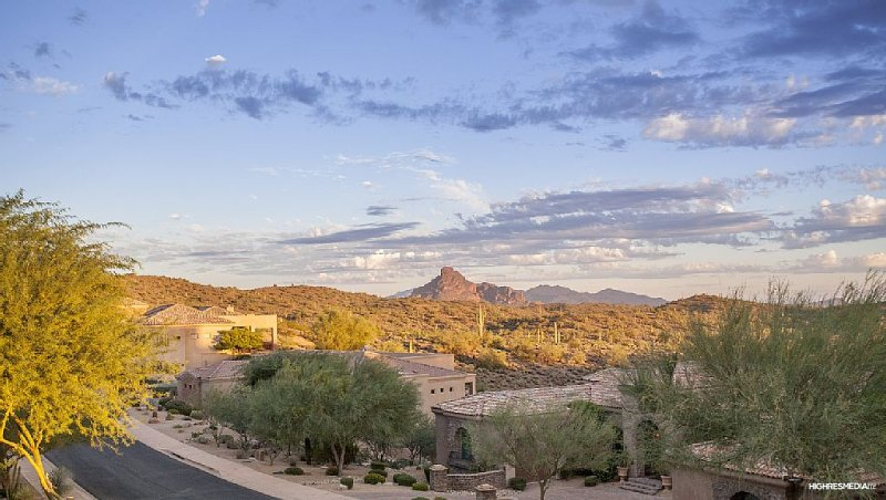 North Scottsdale Spacious 4 Bedroom home in the Mountains of Fountain Hills, alquiler de vacaciones en Fountain Hills