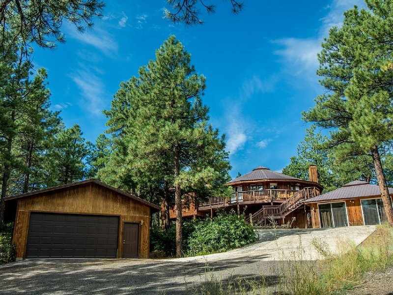 Spectacular Tree house! Amazing Views!!, alquiler de vacaciones en Pagosa Springs