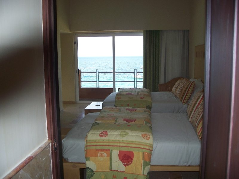 Master Suite A King & Queen Size beds, beautiful view of Sea of Cortez
