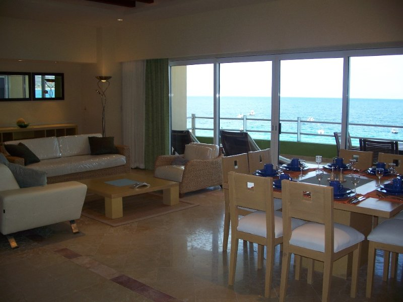 Living area looks out over the Sea of Cortez,