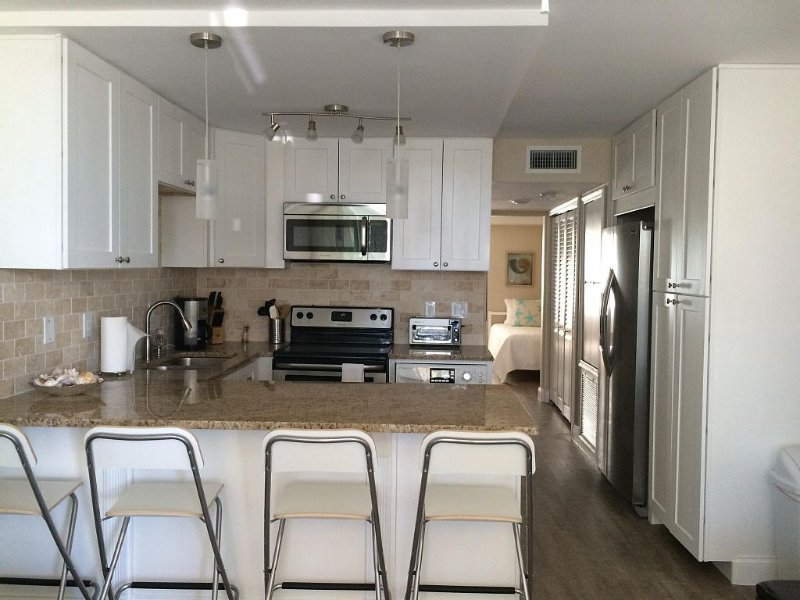 Stay in this brand new modernized condo, family friendly!, vacation rental in Cocoa Beach
