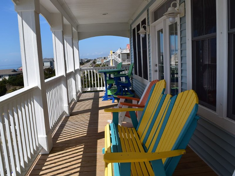 Surf, Sand, and a Private Pool! Late season DISCOUNTS!!!, holiday rental in Oak Island