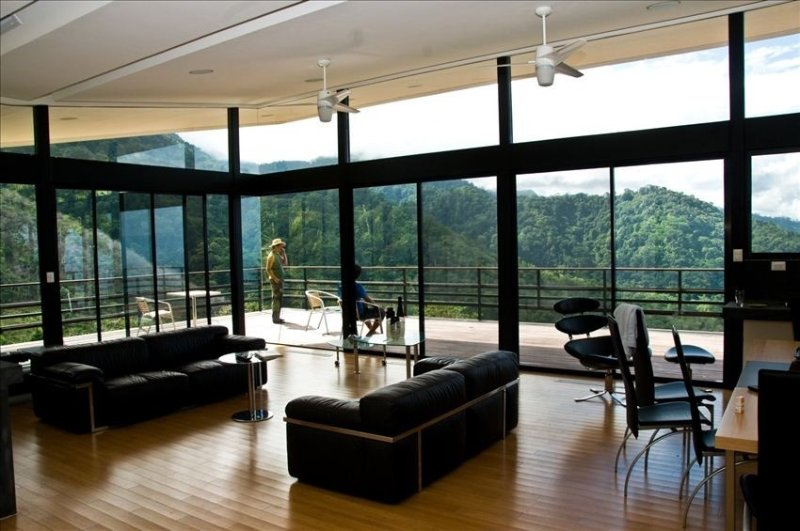 Luxury Home with Panoramic Ocean View in  Rain Forest., holiday rental in San Buena