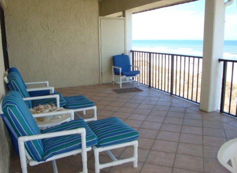 Oceanfront 3 BR Condo, Heart of Jax Beach, Near TPC & Mayo, alquiler vacacional en Jacksonville Beach