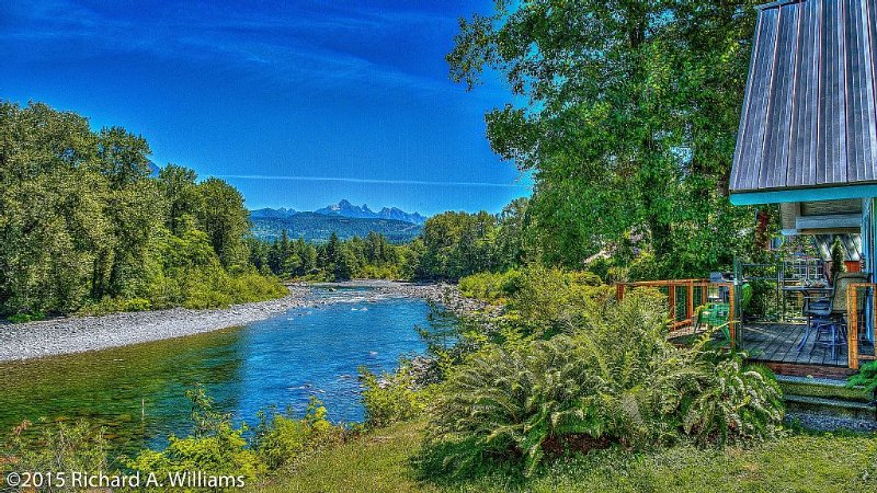 SCENIC SKYKOMISH RIVERFRONT HOME PET FRIENDLY, vacation rental in Gold Bar