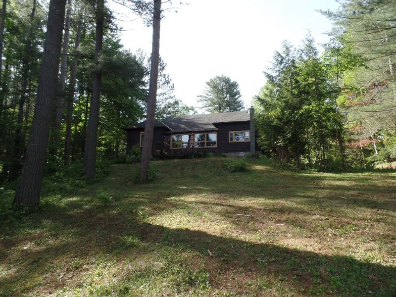 Waterfront Getaway Home, holiday rental in Indian Lake