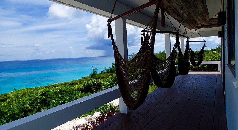 Stunning New Home With Breathtaking Ocean Views, location de vacances à Eleuthera