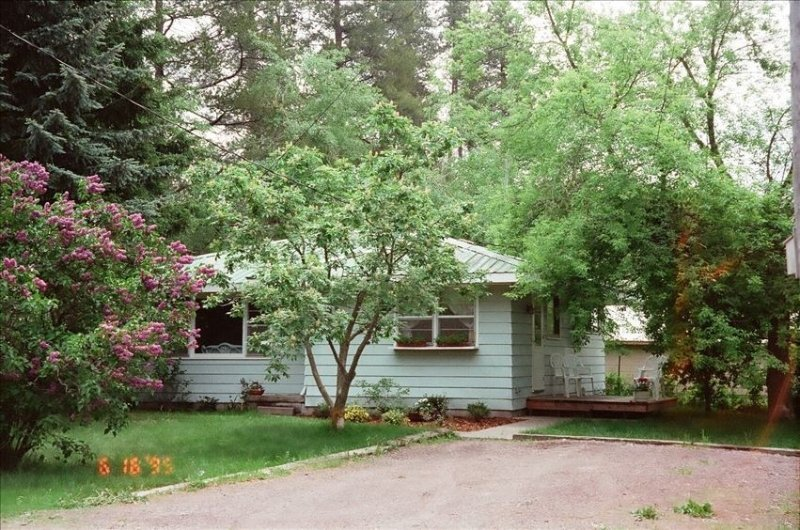 Coram Cottage-Glacier National Park2BR,1BA 5 Min. from Park, casa vacanza a Coram