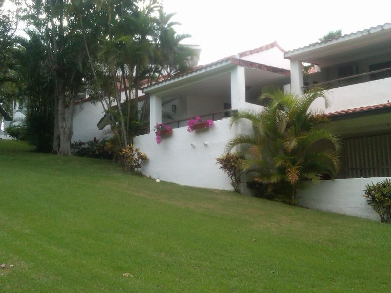 Beautiful Villa in the Wyndham Rio Mar Resort, holiday rental in Rio Grande