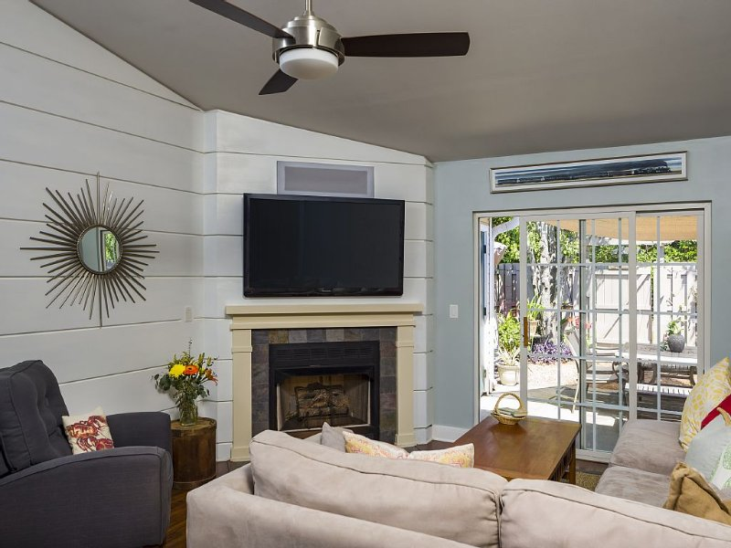 Modern Townhome! Book Your Spring or Summer Vacation!, vacation rental in Charleston