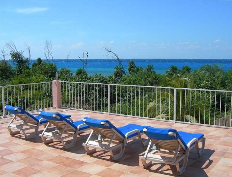 Villa Tango Del Mar-Luxury Beachfront Community Home Near Dive Sites, holiday rental in Cozumel