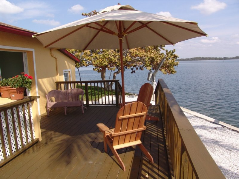 Water Front, High End Private Home, Heated Pool, Dock, Short Walk To Beach, vacation rental in Holmes Beach
