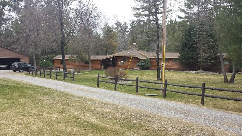 Fisherman's Retreat.   On South Branch of AuSable River, Clean, Comfortable, vacation rental in Mio