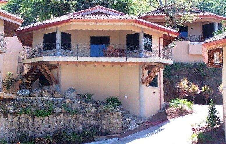 Villa Antonelda - Charming Home Overlooking the Papagayo Bay, alquiler vacacional en Playa Hermosa