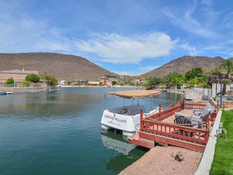 Luxury custom 3500sf, Hacienda del Lago with Private Boat on Arrowhead Lakes, vacation rental in Glendale