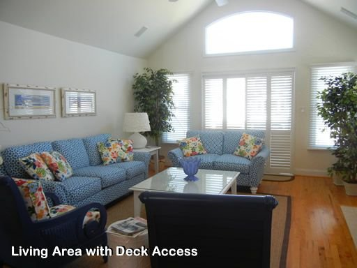 Family Resort Shore Home, holiday rental in Avalon