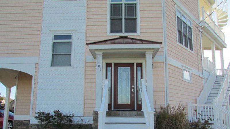 Fab House Steps From The Beach, holiday rental in North Wildwood