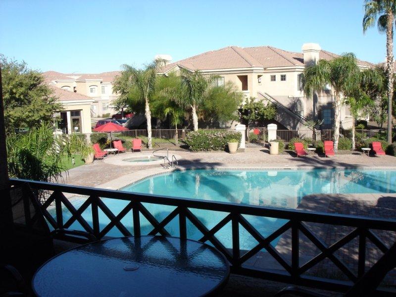 3 Bedroom Condo in a well-located, gated, resort-like complex, alquiler de vacaciones en Mesa