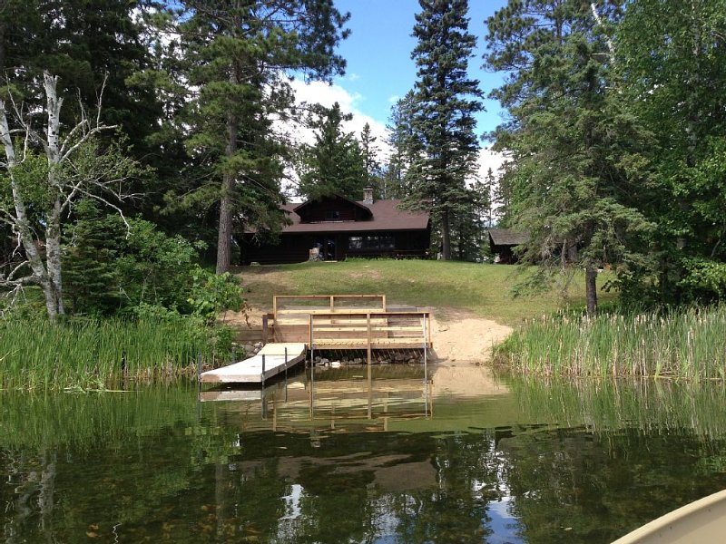 Beautiful, elegant, and recently restored Historic Lodge in Northern Minnesota, vacation rental in Deer River