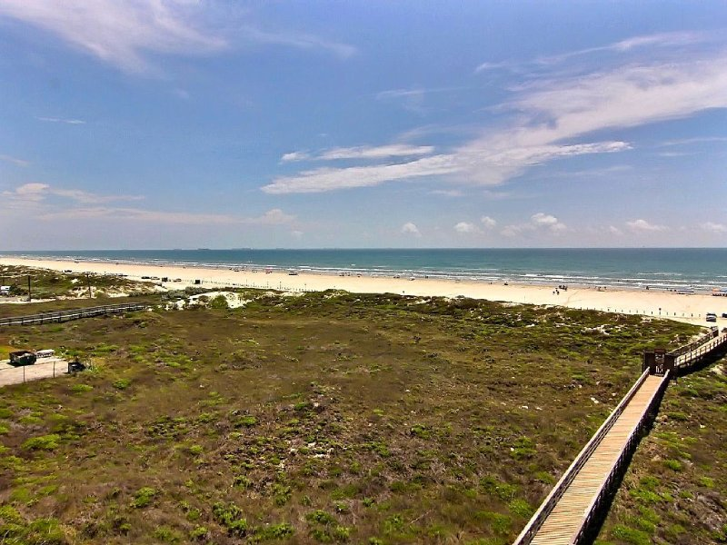 BeachSide 514 - Breathtaking Beach & Golf Views from 3 balconies; Magnificent!, alquiler de vacaciones en Port Aransas