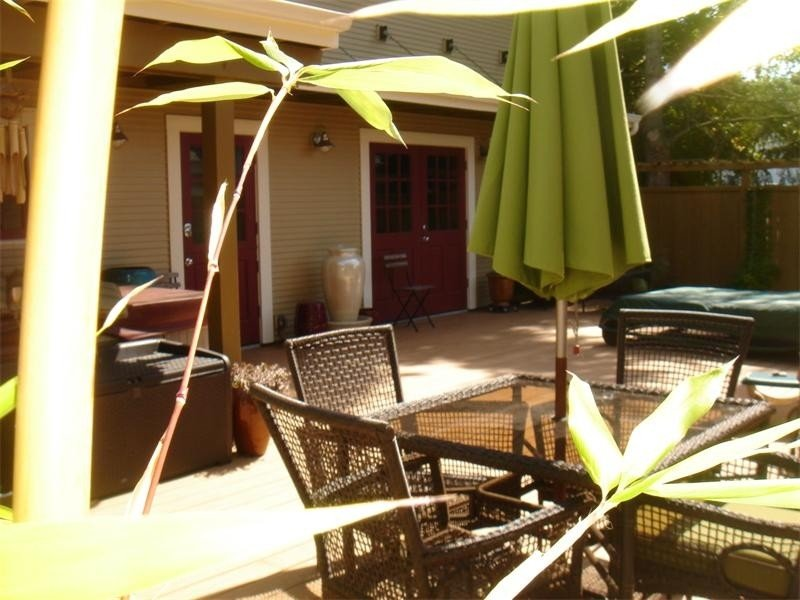 Hip and Cool in Downtown Renton--an Eco-Friendly Delight!, vacation rental in Renton