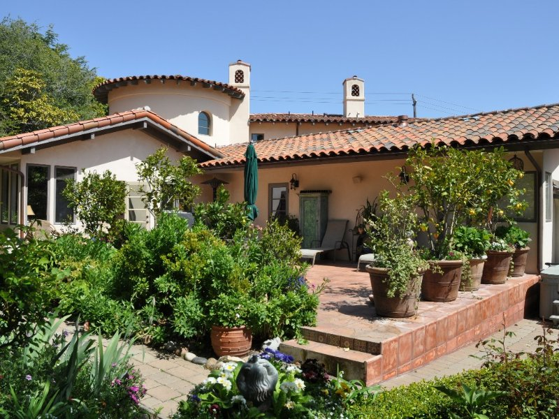 Luxury Mediterranean-Style Home with All the Extras, holiday rental in Monterey County
