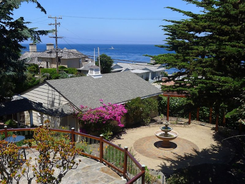 Spectacular Ocean View Studio - Most Memorable Mini-Retreat, vacation rental in Marina