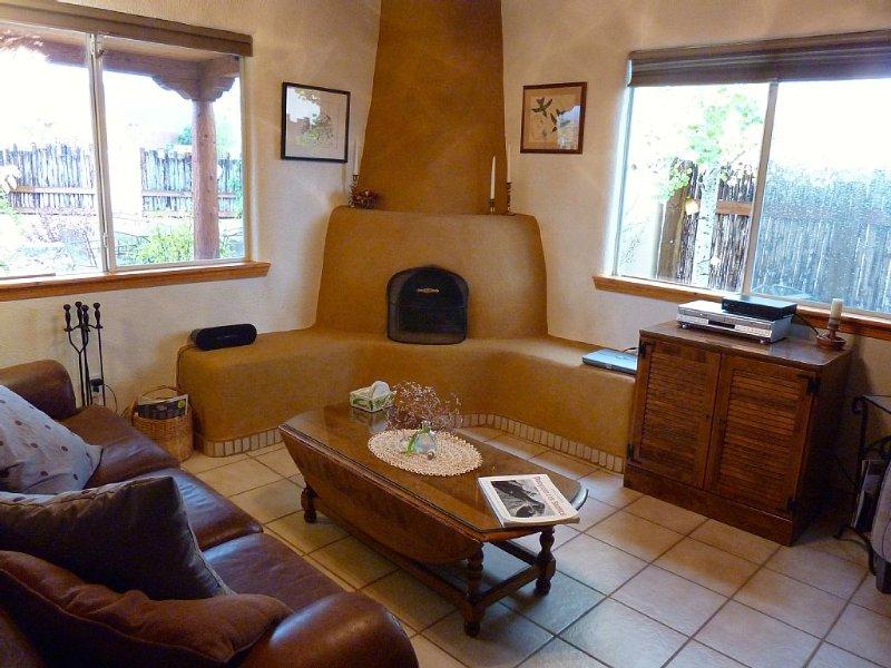 Private Courtyard In Town With Mountain Views, alquiler de vacaciones en Carson