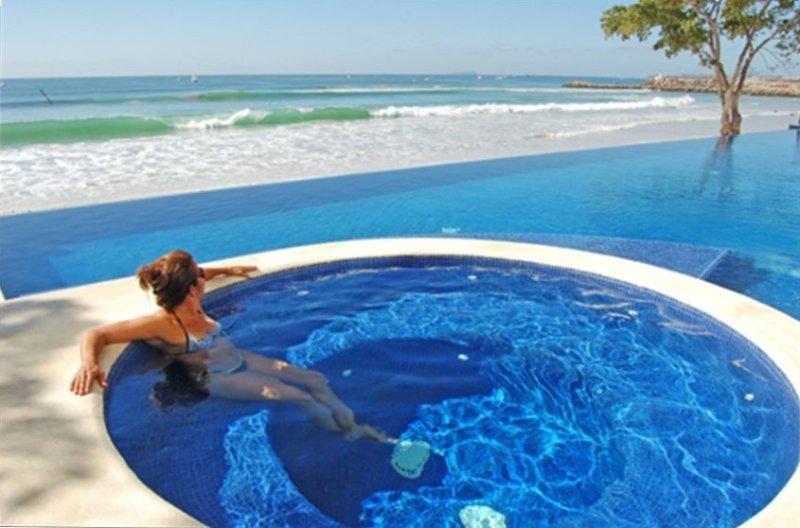 Truly Right on the Beach! Surfers Welcome! Punta Mita is Safe!, location de vacances à Punta de Mita