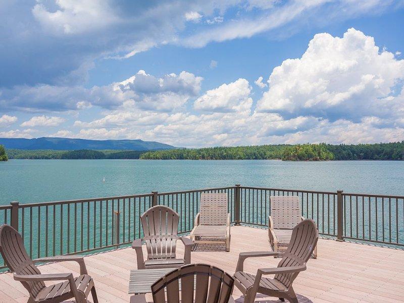 Lakeside Pagoda-Lake and Mountain Views- Easy Walk To Private Dock W/ Boat Slip, Ferienwohnung in Morganton