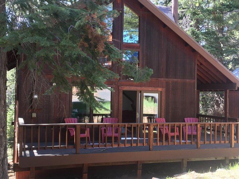 Summer Fun! 3 Br, 2 Bath, +Loft, Dogs OK, vacation rental in Truckee