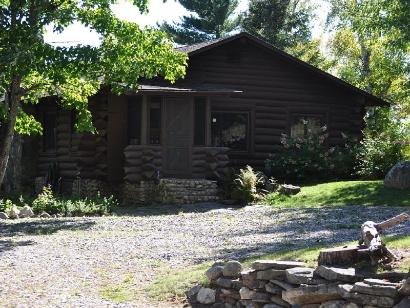 Log Cabin  On Norwegian Bay, Lake Vermilion, Mn, holiday rental in Cook