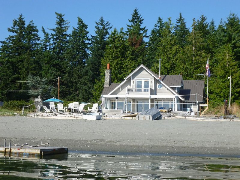 Family Retreat Home on Mutiny Bay, holiday rental in Hansville