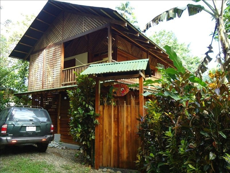 Casa Del Caribe for Rent in Cocles, 300 meters from beach, Ferienwohnung in Puerto Viejo