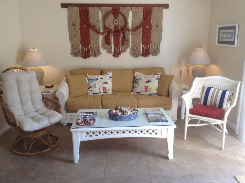 Clean - Great Price - Close to Everything!, holiday rental in Saint Simons Island