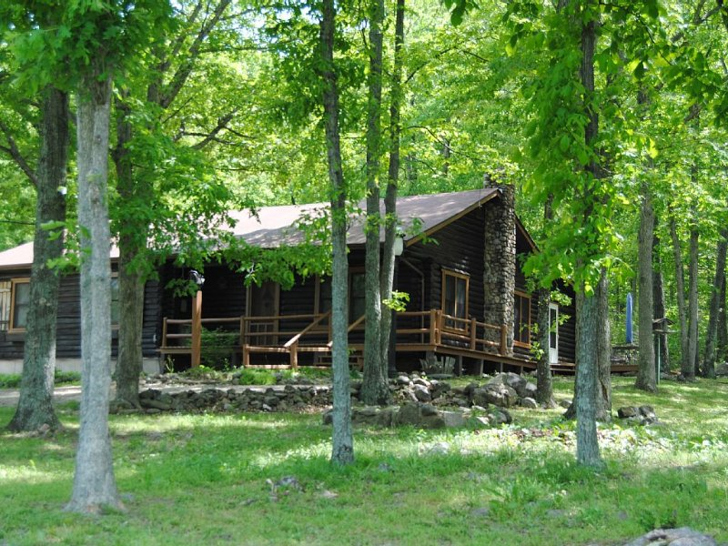 Family Friendly Unlimited Opportunity For Fun!, holiday rental in Ironton