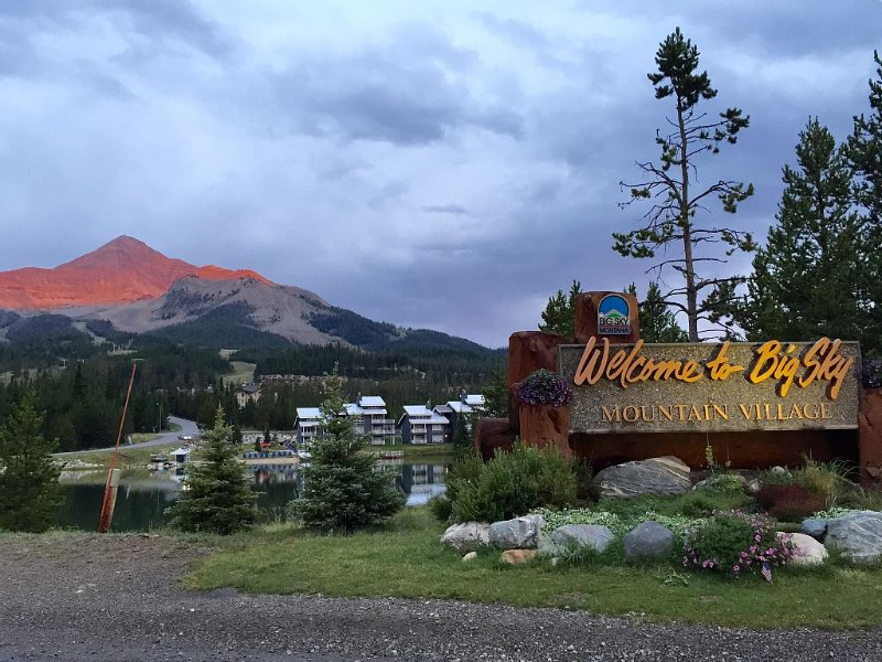 Great Family Condo - 2 Minute Walk From Lifts!, holiday rental in Big Sky