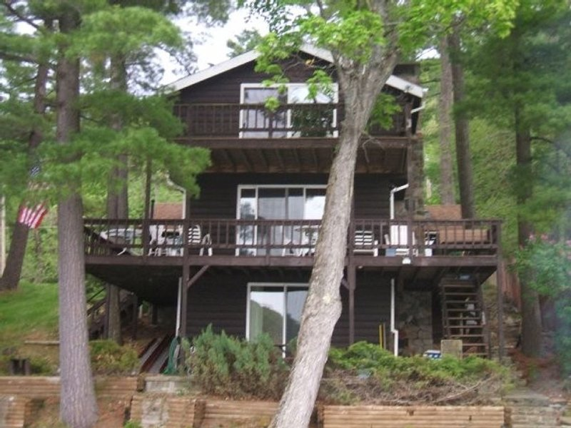 Watersedge Retreat Of Northern Lake George, holiday rental in Orwell