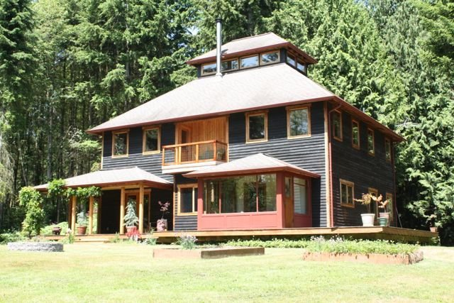 Private house in a sunny forest, holiday rental in Poulsbo