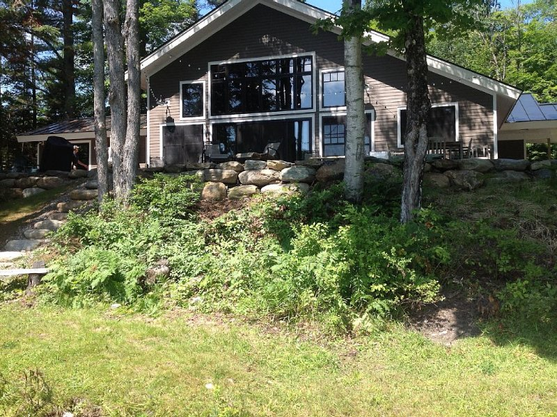 Gorgeous lakefront home on private wooded lot, close to Stowe and Jay Peak, vacation rental in Craftsbury