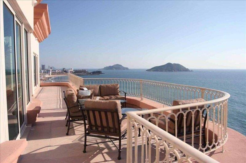Ocean-Front Luxury Penthouse - Best in Mazatlan, vacation rental in Mazatlan
