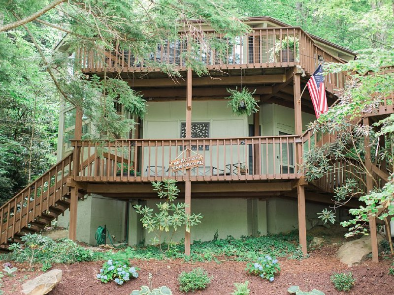 Round House, Perfect Center location, holiday rental in Montreat