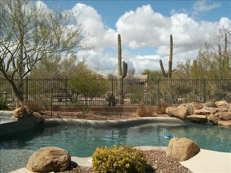AMAZING -Sunset Views, Large Home-Great Yard-Pool/Spa, holiday rental in Anthem