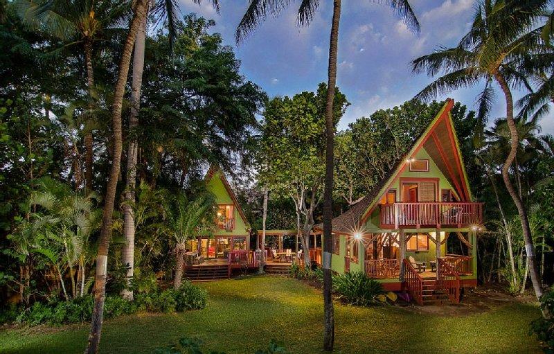 Big Island Beachfront Polynesian Hideaway, holiday rental in Puako