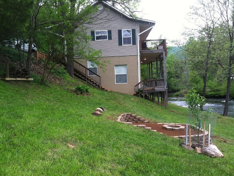 River, River, River Smokey Mts Too !!, holiday rental in Franklin